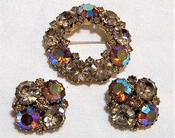 Weiss Aurora Borealis Rhinestone Jewelry Set, Clip On Earrings,  Circle Pin, Cappucino Color Glass,  Mid Century Jewelry,  417