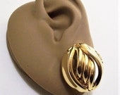 Premier Designs Oval Swirl Rib Pierced Post Stud Earrings Gold Tone Vintage Large Open Slotted Curved Tubes Wide Band Edge