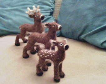 Deer family figure set - needle felt stag, doe, and fawn - Needle felt wildlife set - woodland