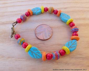 HOWLITE FUN BRACELET - A bright & jolly howlite bracelet would make a great gift.