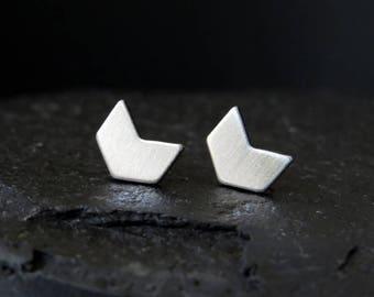 arrow stud earrings / stainless steel post earrings / modern arrow earrings / geometric earrings / chevron earrings