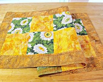 Quilted Table Runner, Sunflower Table Runner, Batik Table Runner, Sunflower Decor, Quilted Table Topper, Patchwork Runner, Batik Fabric
