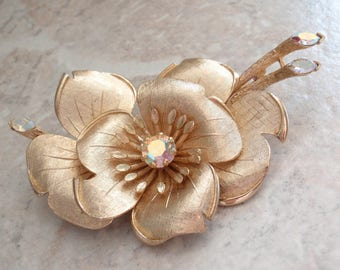 Lisner Floral Brooch Large Rhinestone Accents Gold Tone Vintage 073115LH