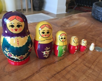Vintage Russian Nesting Dolls Matryoshka (set of 6)