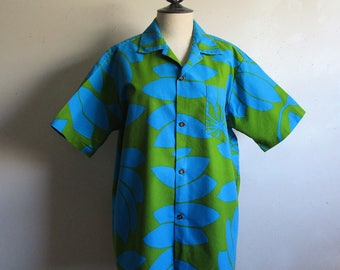Vintage 1970s Hawaiian Shirt Mens Summer Green Blue Floral 70s Short Sleeve Cotton Causal Shirt LRG