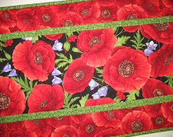 Sale Christmas in July Poppy Table Runner or Wall Hanging, handmade, quilted, table runner quilted