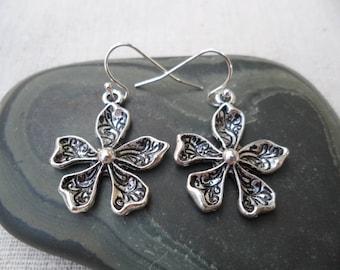 Funky Silver Flower Earrings - Simple Everyday Silver Earrings - Boho Chic Silver Flower Earrings