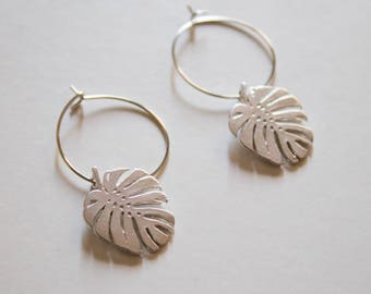 monstera deliciosa jungle leaf -earrings (small halo hoop earrings minimal every day 16k gold plated)