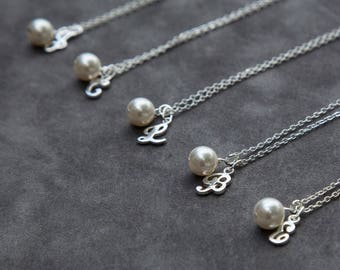 Personalized Bridesmaid Gift, Personalized Bridesmaid Necklace Set of 10, Custom Bridesmaid Necklace, Pearl Silver Initial, Wedding Jewelry