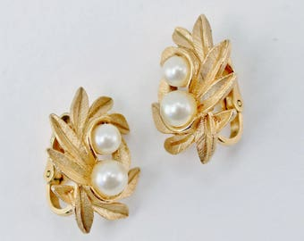 Vintage 1971 Signed Avon Evening Creation Gold Tone Faux Pearl Brushed Leaf Leaves Cluster Clip On Earrings in Original Box NIB