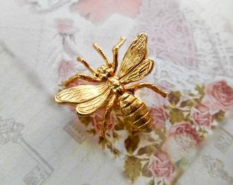 Bee Brooch, Vintage Bee Brooch, Bee Pin, Bee Jewelry, Scarf Pin