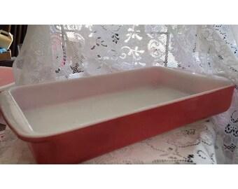 Pink pyrex lasagna or cake pan 2 qt