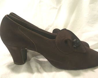Gorgeous Vintage Early 1940s Shoes Heels Structured Vamp Bakelite Button Sz 8 N