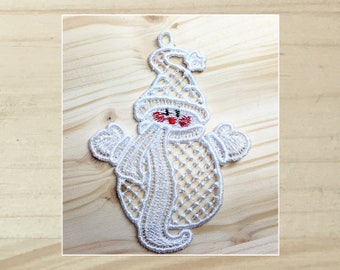 Cuddly Snowmen 5 Machine Embroidered Lace Ornament