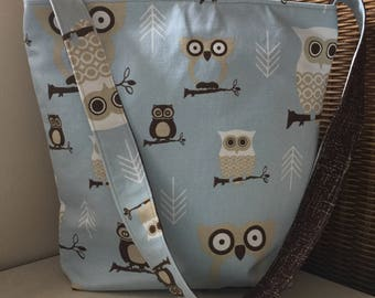 Canvas Zippered Library Tote / Owls