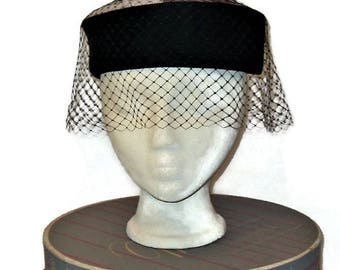 60s Pillbox Hat, Fall Hat, Winter Hat, Black Velvet Pillbox, 1960s Dress Hat, Hat with Veil, Birdcage Veil, Brown Black Cream