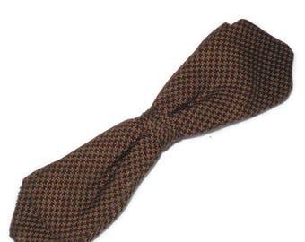 1950s Bow Tie, Houndstooth Bow,  Diamond Point, Diamond Tip Bow Tie, Narrow Bow Tie, Clip On Bow Tie, Brown Black Houndstooth, Slim Bow Tie,