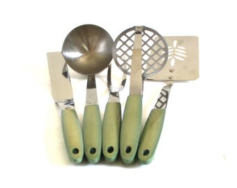 Sears Stainless USA Potato Masher, Icing Spreader, Meat Fork, Soup Ladle, Spatula Avocado Green Kitchen Utensils twin of Flint beige handle