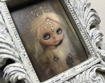 1:6 Scale Antique Frame with Custom Portrait