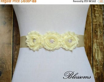 SALE Flower Girl - Bridesmaid Ivory Chiffon Flower Sash - Wedding Belt - Satin Ribbon Sash - Prom Sash - Cream - Bridal Belt