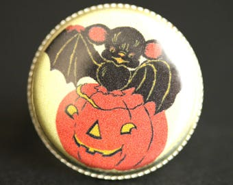 Cute Bat Ring. Halloween Ring. Jack-o-Lantern Ring. Vintage Picture Ring. Adjustable Ring. Halloween Jewelry. Silver Ring. Handmade Ring.