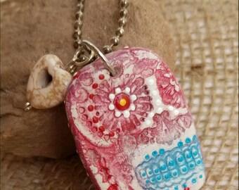 Sugar skull necklace. Day of the dead. Skull. Dia de los Muertos. Clay skull. Charm. Pendant.