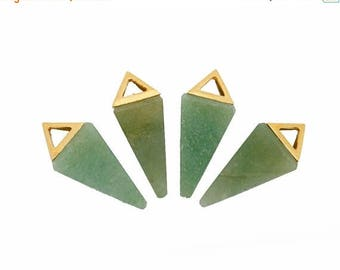 10% off Independence Day Aventurine Point Pendant With Gold Plated Pyramid Cap QPC (S47B16)