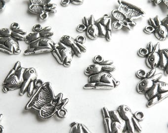 10 Easter Bunny Rabbit charms Chinese Zodiac Year of the Rabbit antique silver 15x13mm DB10887