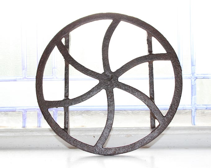 Late 1700s Cast Iron Round Trivet Antique Rustic Farmhouse Decor