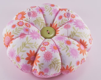 Pretty Pink Flower Pincushion with decorative pins, Reversible modern pincushion in shades of pink, Pins and Needle Keeper