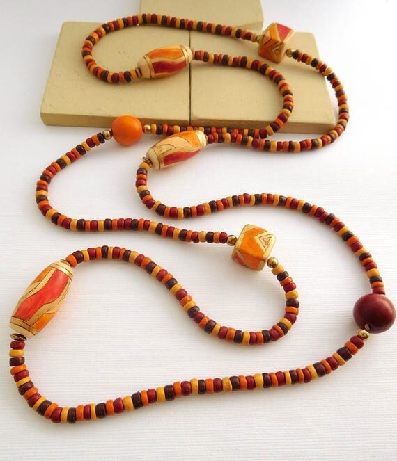 Vintage India Long Earth Tone Red Brown Tan Orange Wood Bead Boho Tribal Necklace GG6
