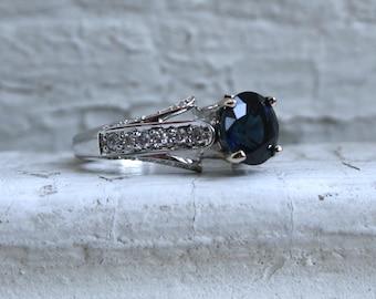 Stunning 18K White Gold Diamond and Sapphire Engagement Ring - 3.32ct.