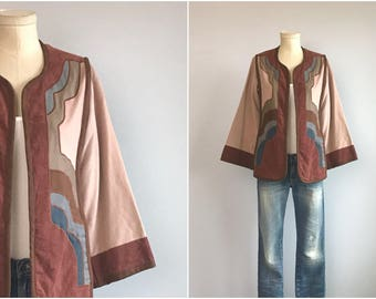 Vintage 70s Quilted Jacket / 1970s G Girvin Patchwork Ethnic Boho Applique Embroidered Kimono Jacket / Hippie Festival Jacket