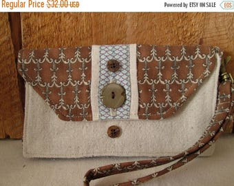 CIJSALE Small Wallet Button Closure And Accents Inside Zippered Pocket  Card Pocket Outside Pocket Wristlet