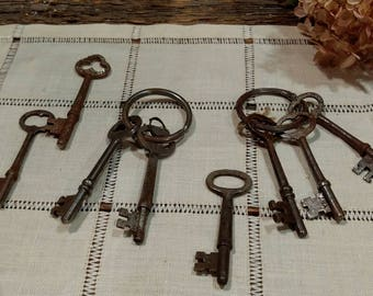 Rusty Vintage Lot of Skeleton Keys / Set of Eight