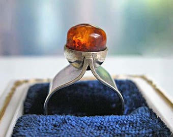 Amber Sterling Artisan Ring, Mid Century Modern Design, Raised Natural Domed Stone, Artisan Sculpture Ring, 4 Grams, Hallmarked KN, Size 6.5