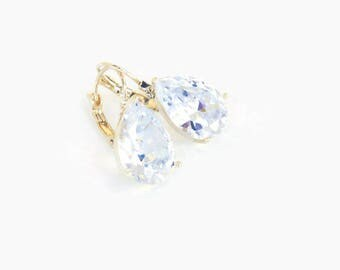 Bridal Earrings . Gold Bridal Crystal Earrings