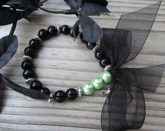 Bracelet with bow, Green and black, Beaded bracelets, Evening bracelet, Formal bracelet, Special occasion, Birthday gift, Handmade bracelets