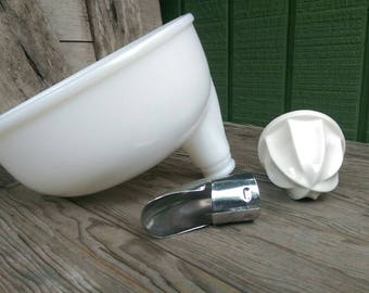 Vintage Sunbeam Mixmaster Juicer Attachment Bowl Reamer Chute