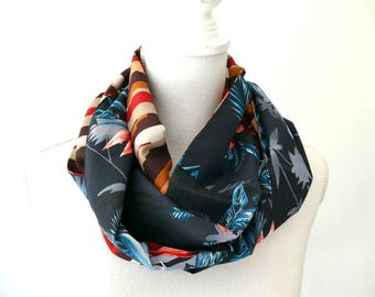 Infinity Scarf - duo of contrasting fabric - Made in France. Navy, gray, red, brown. Reversible. Funky Bags 'n Bibs / Lorella Creations