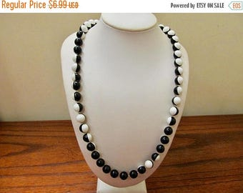 ON SALE Vintage Black and White Plastic Beaded Necklace Item K # 1097