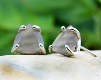 SUMMER SALE - Grey Chalcedony earrings,triangle earrings,silver earrings,trillion earrings,prong stud earrings,delicate earrings