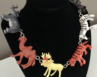 Zoo Time Necklace (B)