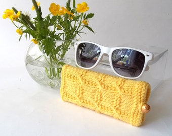 SALE - 50% OFF. Yellow Knit Glasses Case. Reading Glasses Case. Knitted Eyeglasses Holder.