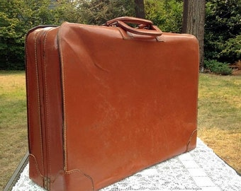 Save 15% OFF Large Leather Case/Mens Suitcase/Mid Century Luggage/Leather Travel Case/California Saddle Leather/24 x 18 x 7/VG Cond