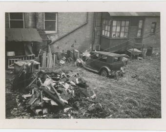 Backyard Trash, c1930s-40s Vintage Snapshot Photo (59408)