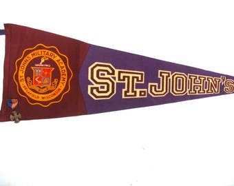 1950's Vintage Souvenir Pennant St. John's Military Academy Delafield Wisconsin With Recruiting Pin And Memorabilia