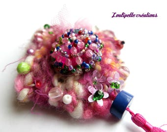 Brooch knitted textile / pearls / tulle