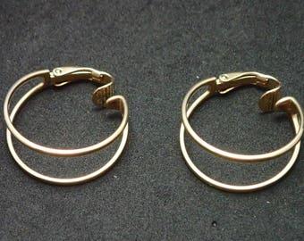 Sarah Coventry Gold Tone Hoop Earrings T-9