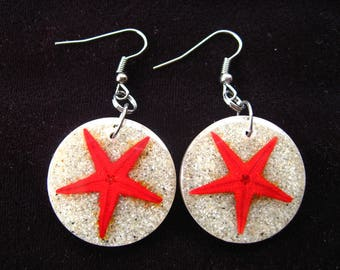 "Bo memories of summer ""summer memories: Red Sea stars"" on bottom of sand in resin mounted on supports nickel - diameter 25 mm"